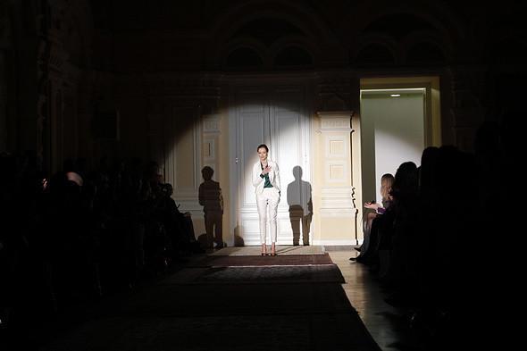Изображение 21. A'la Russe FW 2011: пальто в пол и широкие брюки.. Изображение № 21.