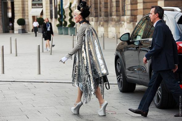 Уличный стиль на Неделе высокой моды в Париже. Изображение № 98.