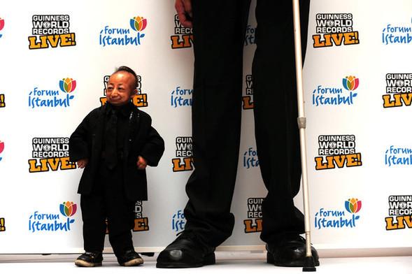 Самый большой и самый маленький человек. Изображение № 3.