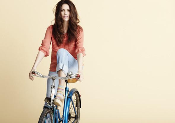 Изображение 9. Рекламные кампании: H&M, Levi's и другие.. Изображение № 33.