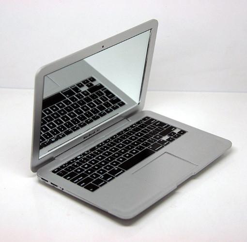 Mac Book Mini Mirror. Изображение № 2.