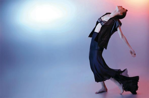 Съёмка: Саския де Брау в объективе Карла Лагерфельда. Изображение № 9.