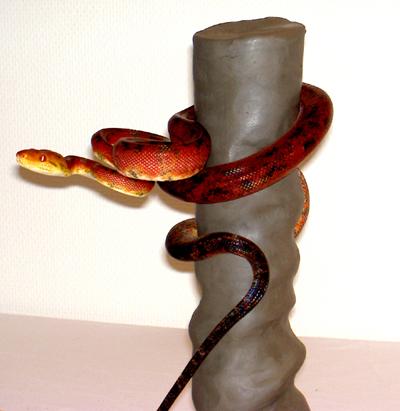 Лошадь-лампа, ходячий стол, шоколадная ваза. Изображение № 7.