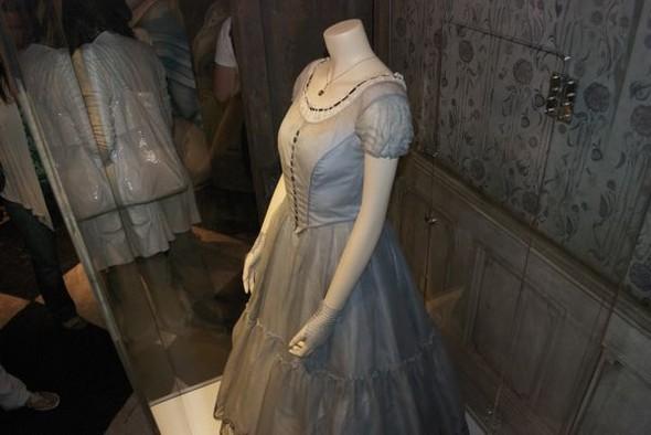 Alice InWonderland: реквизит, костюмы ипрочие нюансы. Изображение № 3.
