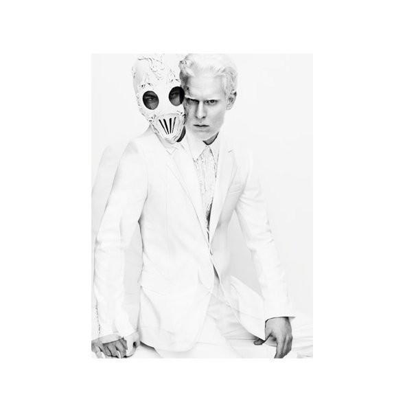 Изображение 10. Рекламные кампании: Givenchy, Tom Ford и другие.. Изображение № 2.