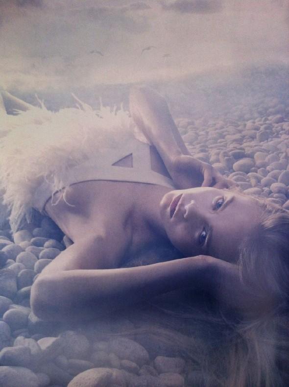 Съёмка: Кара Делевинь в объективе Сольве Сундсбо. Изображение № 5.