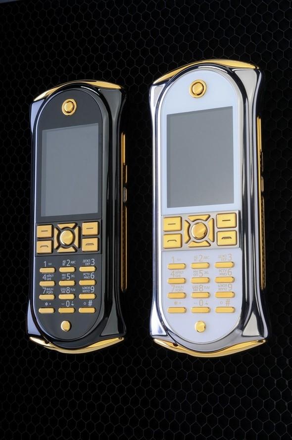 The Q - когда мобильный телефон подчеркивает безупречный статус. Изображение № 1.