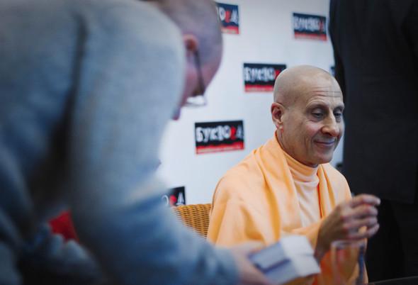 """Презентация книги Радханатха Свами """"Путешествие домой"""" 26.03.2012. Изображение № 14."""