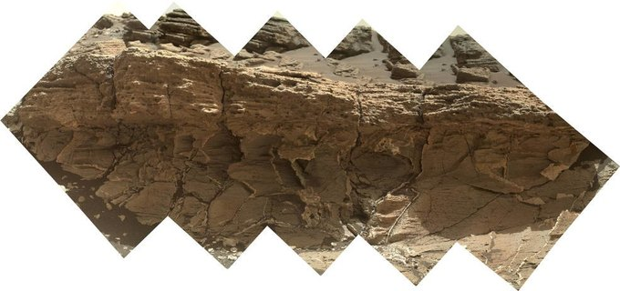 Curiosity обнаружил необычную породу на Марсе. Изображение № 1.