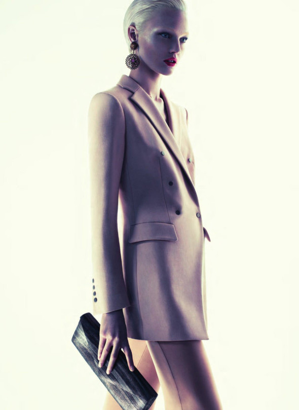 Превью кампании: Саша Пивоварова для Giorgio Armani FW 2011. Изображение № 10.