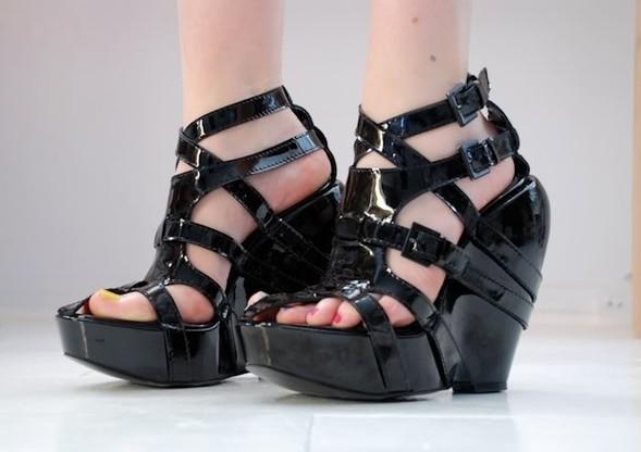 Фэшн-блоггеры делают обувь дляUrban Outfitters. Изображение № 9.