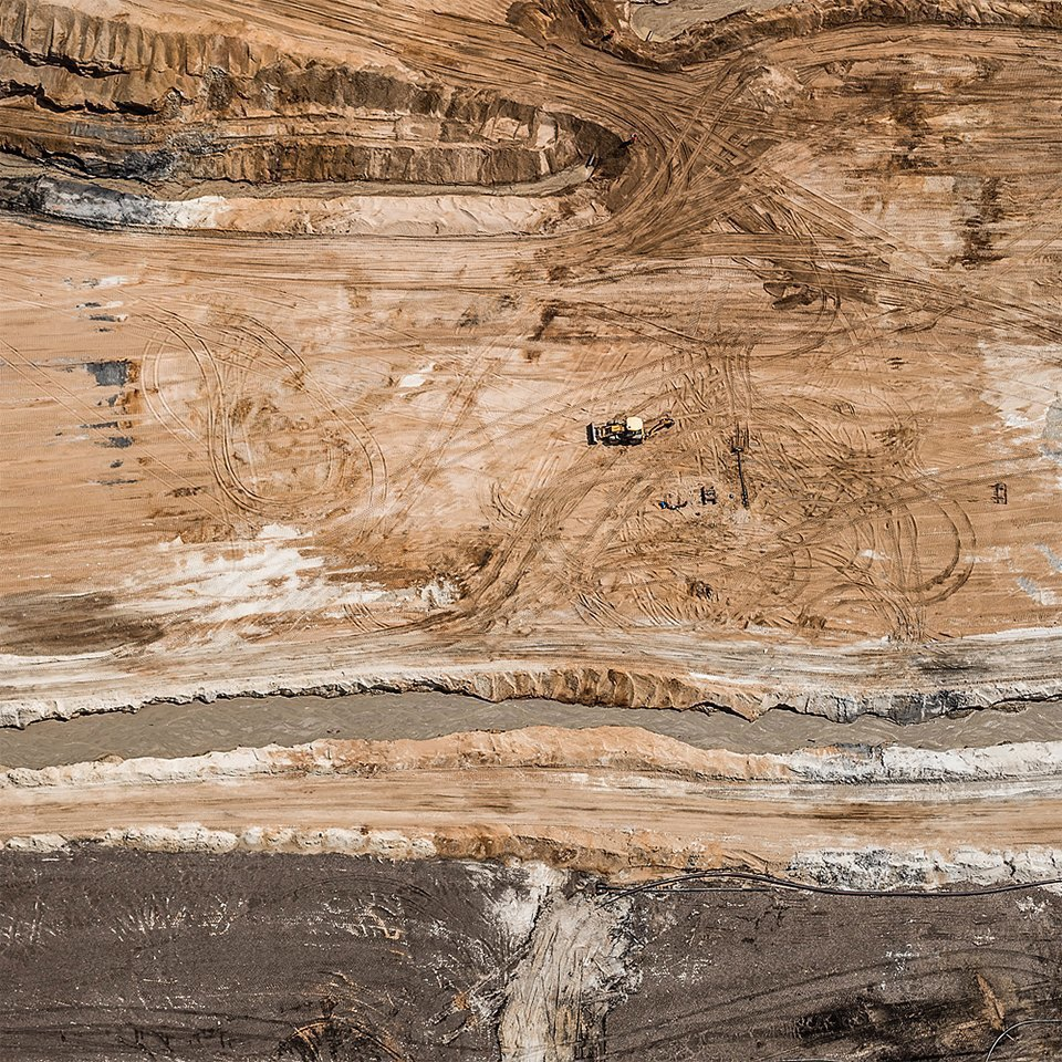 Захватывающие фотографии огромной угольной шахты. Изображение № 19.
