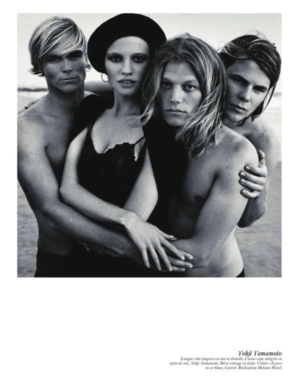 Съёмка: Аризона Мьюз, Лара Стоун, Наташа Поли и другие модели во французском Vogue. Изображение № 13.