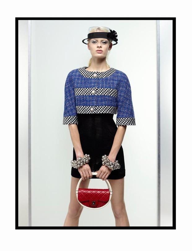 A.P.C., Chanel, MM6, Mother of Pearl, Paule Ka и Yang Li выпустили новые лукбуки. Изображение № 26.