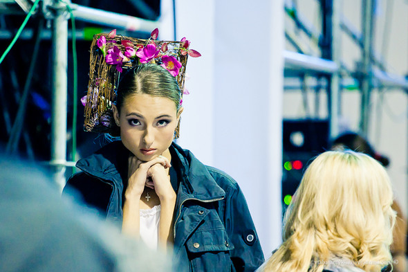 Backstage Ukrainian Fashion Week. Изображение № 36.