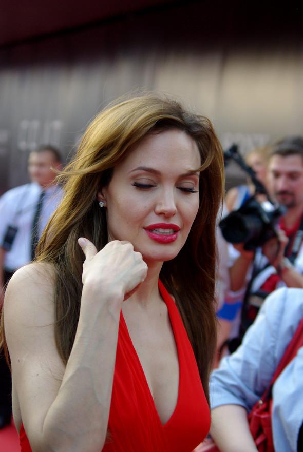 Анджелина нагревает Москву. Изображение № 18.