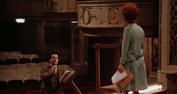 4. Belasco Theatre Знаменитый театр на Бродвее, где в сороковых дебютировал молодой Марлон Брандо. В «Пулях над Бродвеем» драматург (Джон Кьюсак) ставит здесь пьесу на деньги мафии (и с навязанной ему бездарной любовницей гангстера в главной роли).. Изображение №6.