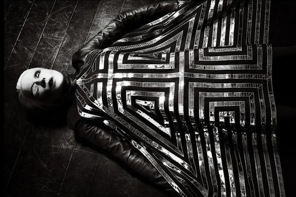 Съёмка: Дафна Гиннесс для Vogue. Изображение № 5.