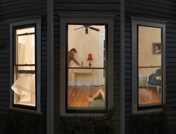сюрреалистично-реальный мир Фотограф Julie Blackmon. Изображение №1.
