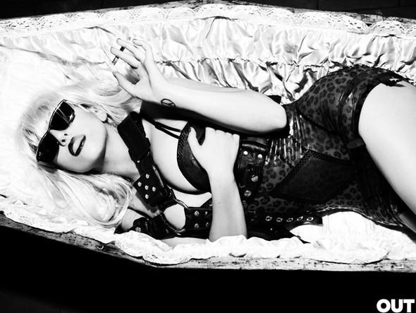 Lady Gaga дляOUT (Сентябрь 2009). Изображение № 2.