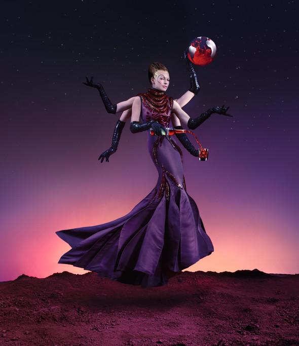 Мила Йовович в календаре Campari 2012. Изображение № 4.