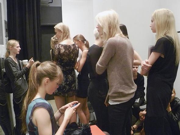Дневник модели: Разговор с новым лицом Prada, съёмка и снова «Старбакс». Изображение № 14.