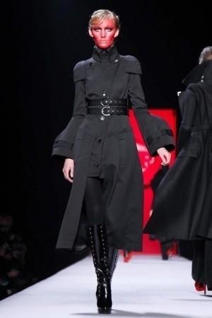 Изображение 53. Показы на Paris Fashion Week FW 2011: день 5.. Изображение № 17.