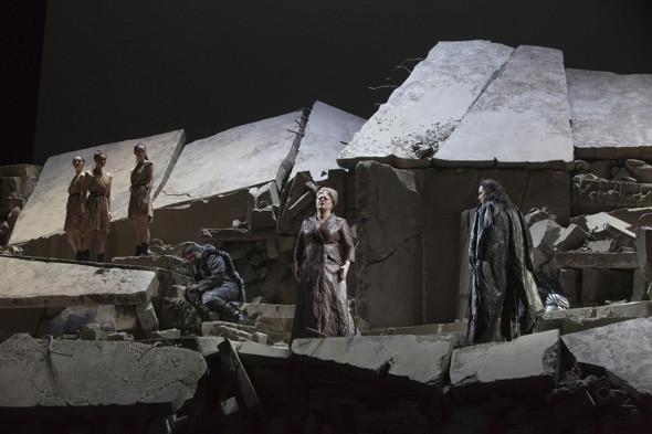 Prada создали костюмы для оперы. Изображение № 8.