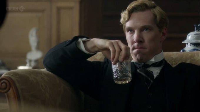 Бенедикт Камбербэтч  выпивает. Изображение № 18.