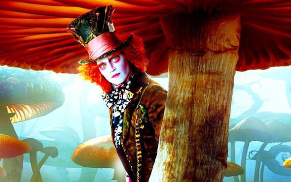 Галюцинногенный Безумный Шляпник. «Алиса в Стране Чудес», 2010. Изображение № 2.