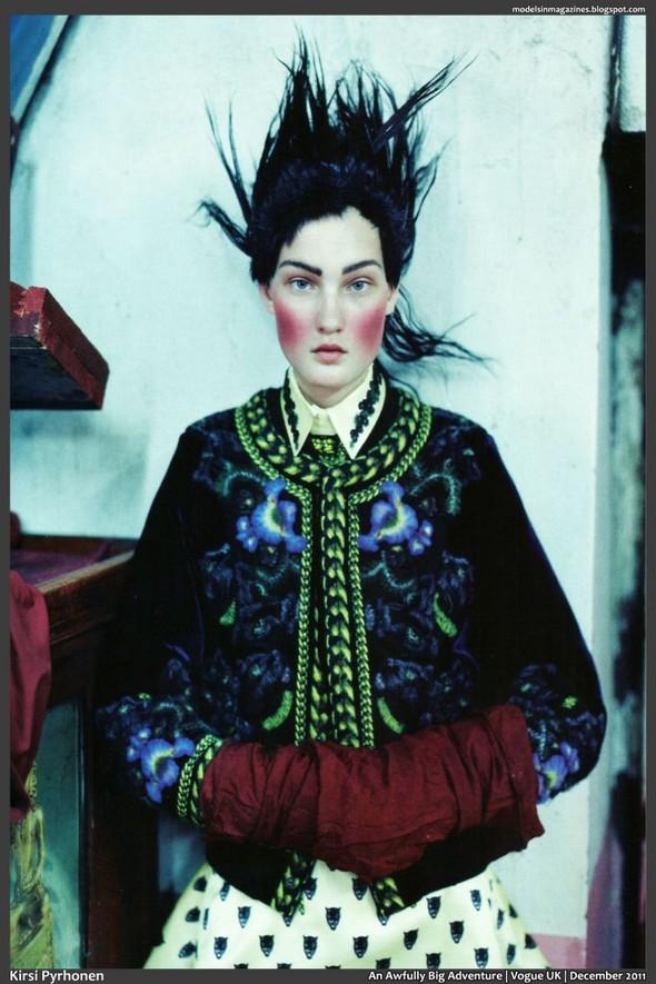 Съёмка: Тим Уокер для британского Vogue. Изображение № 13.