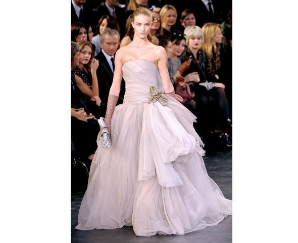 Можно все: Модели на показе Louis Vuitton. Изображение № 39.