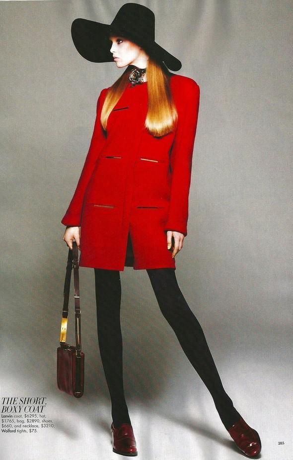 Съёмка: Джемма Бейнес для Harper's Bazaar. Изображение № 10.