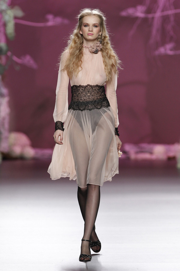 Madrid Fashion Week A/W 2012: Francis Montesinos. Изображение № 18.