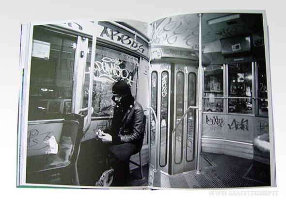 Народ против: 12 альбомов о социальном искусстве. Изображение № 107.
