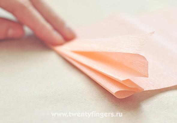 Бумажный весенний венок. Изображение № 3.