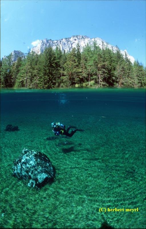Фотограф Herbert Meyrl. Скамейки под водой. Изображение № 15.