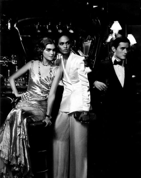 Сьемка: Саския де Брау, Джоан Смоллс и Аризона Мьюз в Harper's Bazaar. Изображение № 4.