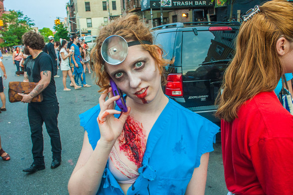 Зомби парад в Нью Йорке. NYC Zombie Crawl.. Изображение № 14.