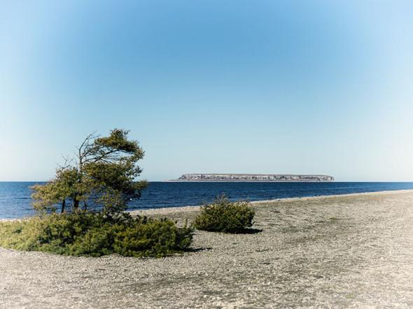 Побережье Екстакустена и вид на остров Малый Карлсё. Изображение № 77.