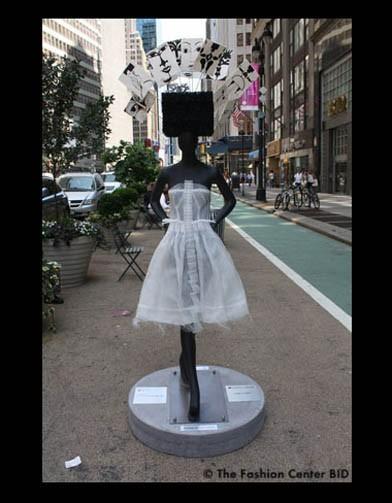 Американские модельеры переодели манекенов в Нью-Йорке. Изображение № 13.