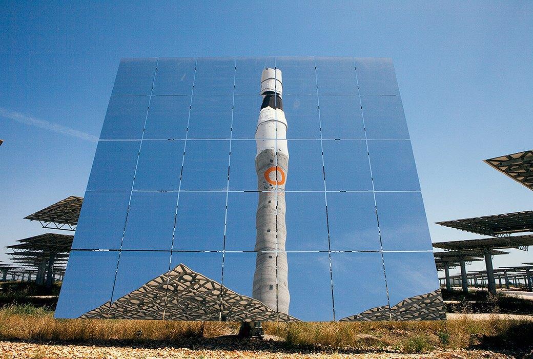 Как выглядит будущее: сотни гектаров солнечных ферм. Изображение № 5.