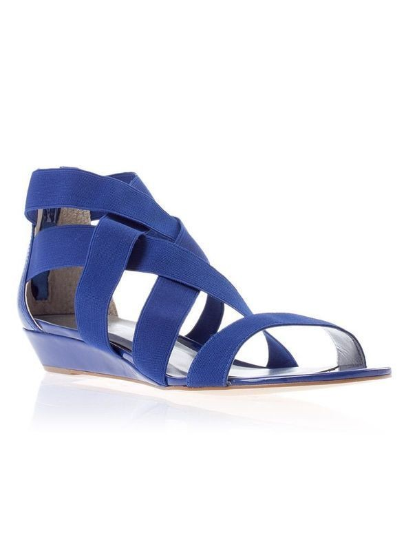 Изображение 4. Обувь: тренды лета 2011.. Изображение № 4.