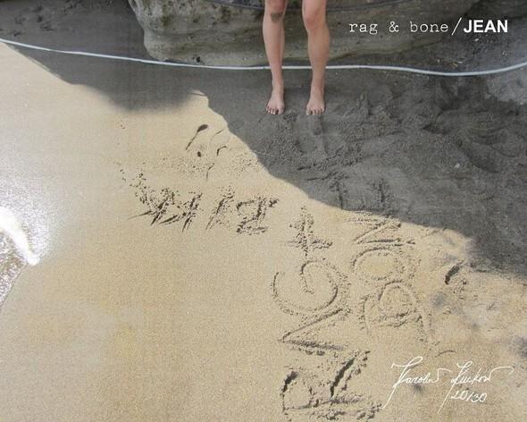 Кампания: Хелена Кристенсен сняла Каролину Куркову для Rag & Bone. Изображение № 20.