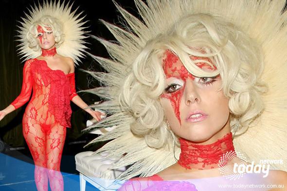 Ghoulish glamour. Изображение № 27.