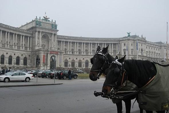 Самая романтическая столица!. Изображение № 10.