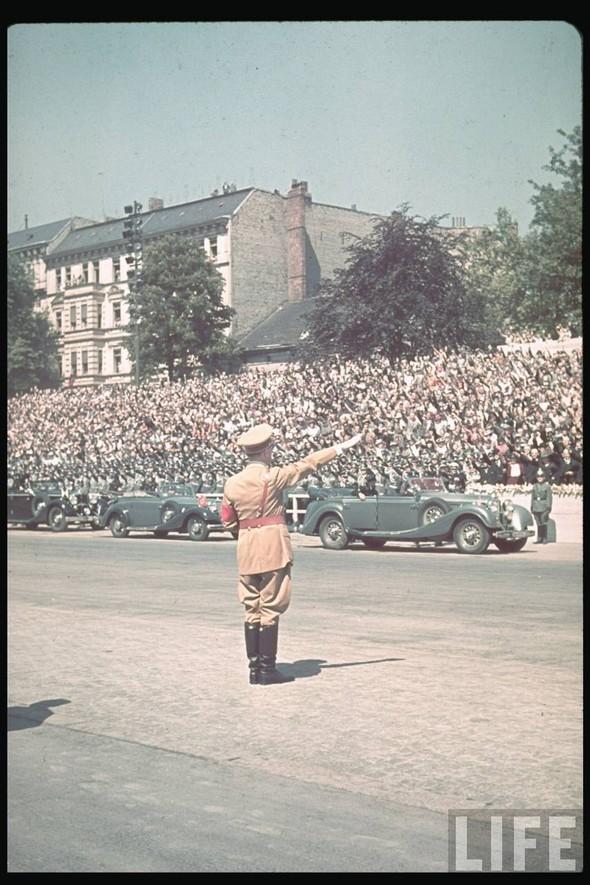 100 цветных фотографий третьего рейха. Изображение №76.