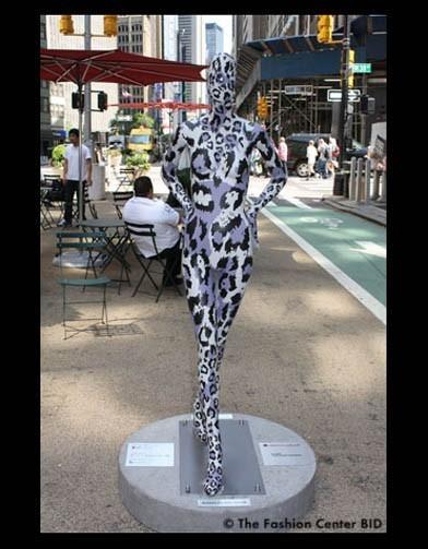 Американские модельеры переодели манекенов в Нью-Йорке. Изображение № 17.