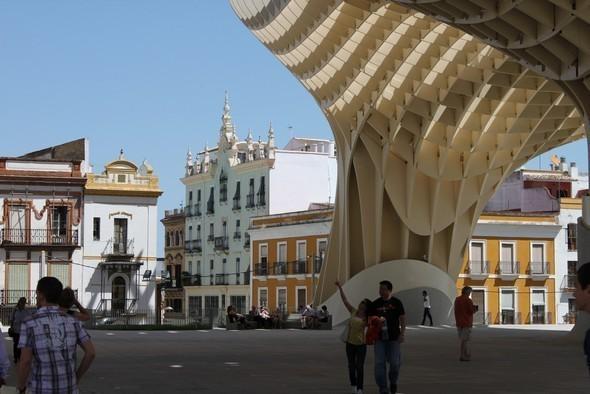 Изображение 13. Metropol Parasol: Самая большая деревянная конструкция в мире.. Изображение №13.