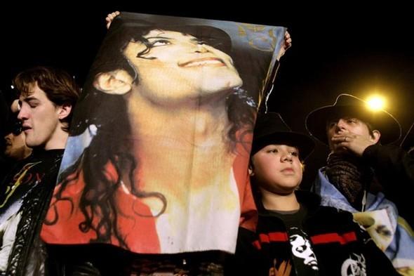 Панихида покоролю поп-музыки Майклу Джексону. Изображение № 9.